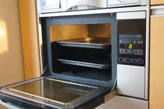 パン作りの工程・焼く