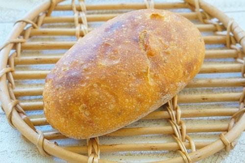 大阪のおいしいパン屋さんル・シュクレクールのパン・オ・トマト