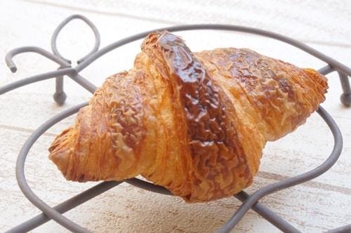 大阪のおいしいパン屋さんパンデュースのクロワッサン
