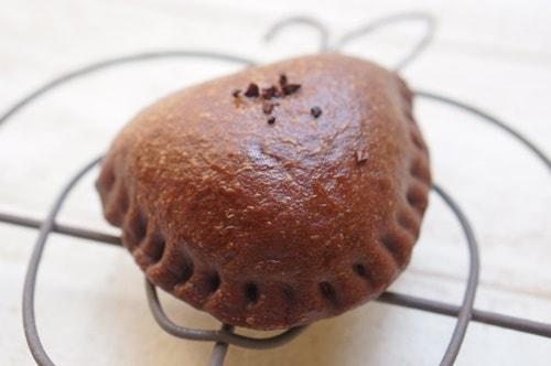 大阪のおいしいパン屋さんパンデュースの大人のチョコクリームパン