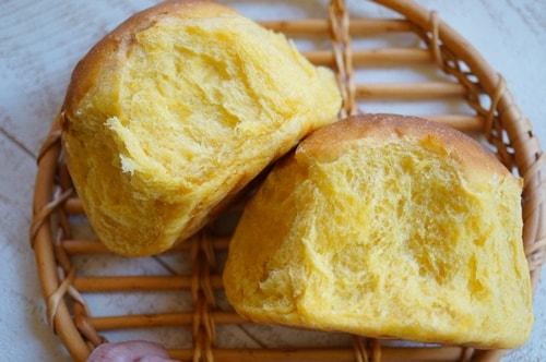 パンのイースト臭