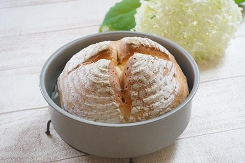 ケーキ型で作るパンの作り方