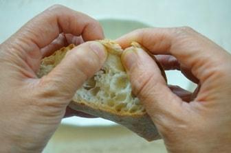 パンの食べ方マナー